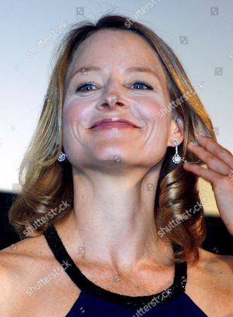 Us Actress and a Cast Member of the Us Film 'Nim's Island' Jodie Foster Poses For the Photographers Upon Her Arrival at the Red Carpet Event Held to Promote the Film in Tokyo Japan 19 August 2008 Directed by Directors Mark Levin and Jennifer Flackett and Starring Jodie Foster and Abigail Breslin the Adventure-fantasy Film Based On the Book with the Same Title Tells a Story of a Young Girl Named Nim (breslin) and Alexandra Rover (foster)'s Adventure to Rescue Nim's Father Who Gets Lost in a Sea Storm the Movie Will Hit the Cinemas All Over Japan On 06 September 2008