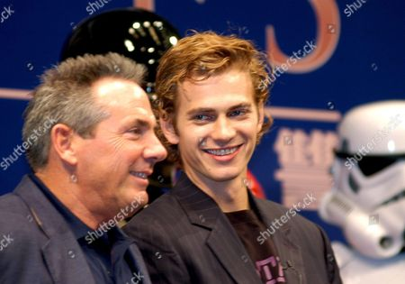 Us Actor Hayden Christensen of Star Wars Fame Jokes with Star Wars Producer Rick Mccallum (l) During the Promotion of Star Wars Episode 3 - Revenge of the Sith in Tokyo Wednesday 06 July 2005 Japan Tokyo