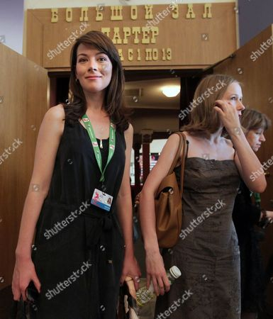 Stock Image of Russian Actress Nina Loshinina (r) and South African-born Actress Justine Waddell (l) Leave a Cinema Hall After a Press Conference For 'Mishen (target)' at the 33rd Moscow International Film Festival (miff) in Moscow Russia 26 June 2011 the Movie by Russian Director/writer Alexandre Zeldovich is Presented in the Section 'Gala Screenings' at the Film Festival That Runs From 23 June to 02 July Russian Federation Moscow