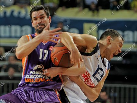 Fenerbahce Ulker's Sarunas Jasikevicius (r) Fights For Ball Against Power Electronics Valencia's Rafa Martinez During Their Euroleague Top 16 Match in Istanbul Turkey on 27 January 2011 Turkey Istanbul