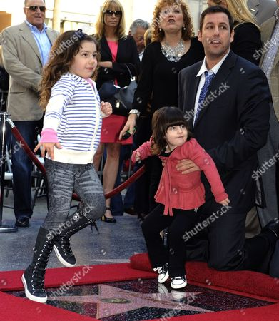 Us Actor Adam Sandler (r) and His Daughters Sadie Sandler (l) and Sunny Sandler (c) Play on His Star on the Hollywood Walk of Fame in Hollywood California Usa 01 February 2011 Sandler was Honored with Star on Hollywood Boulevard United States Hollywood
