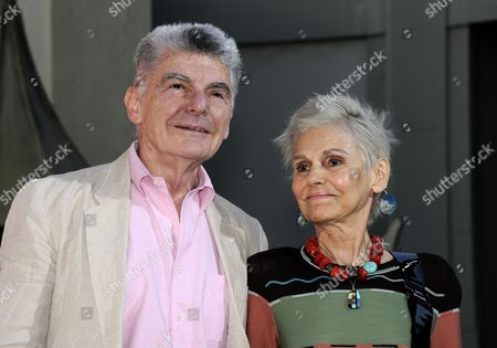 Us Actors and Husband and Wife Richard Benjamin (l) and Paula Prentiss (r) Attend Irish Born Uk Raised Actor Peter O'toole's Hand and Footprints Ceremony Outside Grauman's Chinese Theatre in Hollywood California Usa 30 April 2011 O'toole Joins a Select Group of Industry Luminaries who Have Been Honored by Having Their Hand and Footprints Encased in Cement Panels That Pave the Forecourt of the Historic Theatre United States Hollywood
