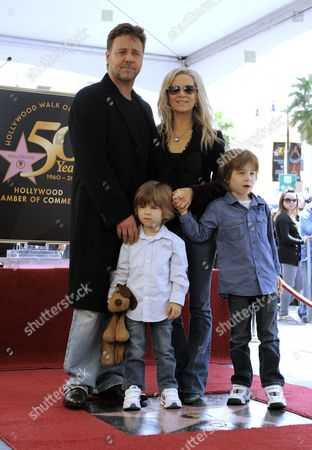 Australian Actor Russell Crowe (l) Poses with Wife Danielle (2-r) and Sons Tennyson (2-l) and Charles (r) As He Receives the 2 404th Star on the Hollywood Walk of Fame During a Ceremony in Hollywood California Usa 12 April 2010 Crowe a Three-time Consecutive Academy Award Best Actor Nominee Took Home the Oscar For His Performance in 'Gladiator' United States Hollywood