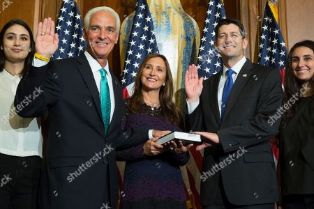 Paul Ryan, Charlie Crist House Speaker Paul Ryan of Wis. administers the House oath of office to Rep. Charlie Crist, D-Fla., during a mock swearing in ceremony on Capitol Hill, in Washington