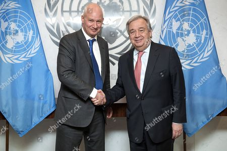 Secretary-General Antonio Guterres (right) meets with Peter Wilson, Deputy Permanent Representative of the United Kingdom to the United Nations and President of the Trusteeship Council