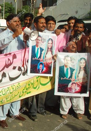 Supporters of Main Opposition Party Pakistan Muslim League Nawaz Youth Wing Shout Slogans During a Protest Against Indian Police in Multan Pakistan on 06 April 2010 India's Police Registered a Case Against Shoaib Malik who is in India to Marry Tennis Star Sania Mirza After an Indian Woman Ayesha Siddiqui Claimed to Be His First Wife Pakistan Multan