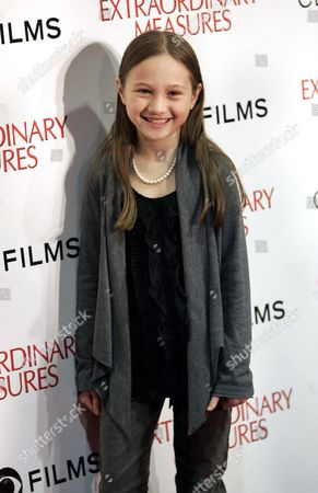 Us Actress Meredith Droeger Arrive on the Red Carpet For the Premiere of the Movie 'Extraordinary Measures' in Chicago Illinois Usa 12 January 2010 the Movie Directed by Tom Vaughan Opens in the Us on 22 January United States Chicago