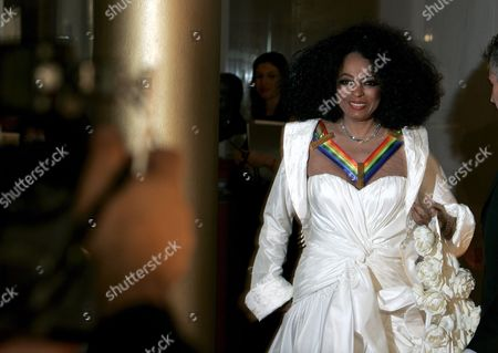 Us Singer Diana Ross Arrives For the Kennedy Center Honors Gala and Performance at the Kennedy Center in Washington Dc Usa On 02 December 2007 Leon Fleisher (music) Steve Martin (comedy) Diana Ross (music) Martin Scorsese (film) and Brian Wilson (music) Are Being Honoured For Their Lifetime Contributions to American Culture the Gala Performance Will Be Attended by Political Dignitaries and Artists From Around the World