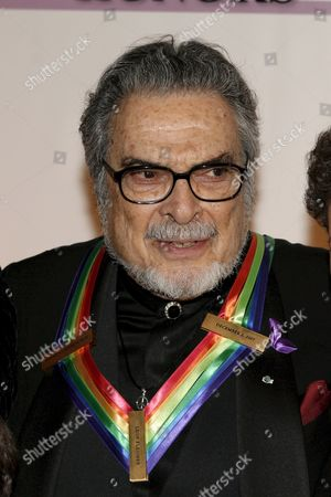 Us Pianist Leon Fleisher Arrives For the Kennedy Center Honors Gala and Performance at the Kennedy Center in Washington Dc Usa On 02 December 2007 Fleisher Steve Martin (comedy) Diana Ross (music) Martin Scorsese (film) and Brian Wilson (music) Are Being Honoured For Their Lifetime Contributions to American Culture the Gala Performance Will Be Attended by Political Dignitaries and Artists From Around the World