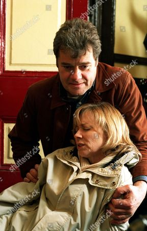 'Where The Heart Is'   TV   Series 9  Pictured: Alistair (Gordon Kennedy) and Rebecca (Lindsey Coulson).