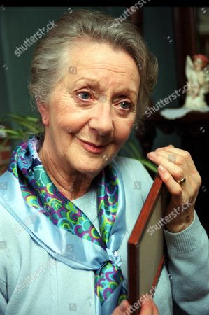 'Where The Heart Is'   TV Series 8 Thelma Barlow