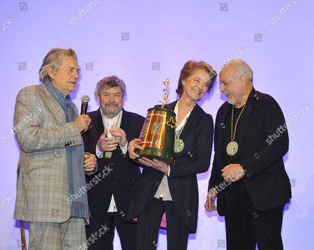 Francis Perrin, Jean Pierre Mocky, Charlotte Rampling, Alain Casabona,
