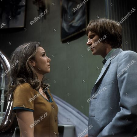 Stock Image of 'Love Story' A Man Alone Aka the Bodyguard - TV - 1968 - Dennis Waterman as James and Philippa Gail as Charlotte.