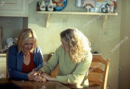 'Bob & Rose' TV - 2001 -  A Distraught Rose (Lesley Sharp) is Comforted by Her Mother Carol (Barbara Marten) When Her Relationship with Bob Ends.