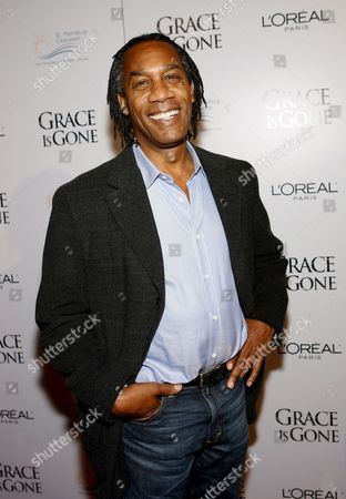 Us Actor Joe Morton Arrives For the Film Premiere of 'Grace is Gone' in Los Angeles California Usa 28 November 2007 the Film by Us Director James C Strouse is About a Father Who Takes His Two Daughters On a Road Trip When He Was Hearing That His Wife Was Killed in the Iraq War