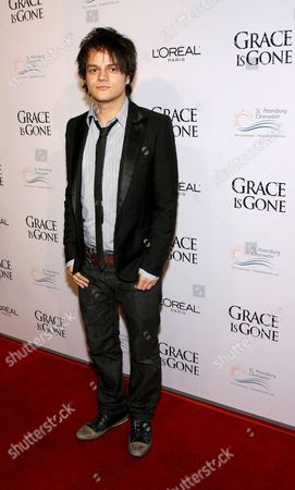 Us Singer Jamie Cullum Arrives For the Film Premiere of 'Grace is Gone' in Los Angeles California Usa 28 November 2007 the Film by Us Director James C Strouse is About a Father Who Takes His Two Daughters On a Road Trip When He Was Hearing That His Wife Was Killed in the Iraq War