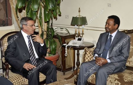 Lebanese Foreign Minister Ali Shami (l) Chats with Sudanese Presidential Advisor Mustafa Osman Ismail (l) in Beirut Lebanon 05 May 2010 Ismail Arrived in Beirut on 04 May For a Two-day Visit to Meet with Lebanese Officials Lebanon Beirut