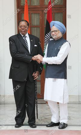 Indian Prime Minister Manmohan Singh (r) Shakes Hands with President of Malawi Bingu Wa Mutharika Before a Meeting in New Delhi India 3 November 2010 Mutharika is on a Six-day State Visit to India India New Delhi