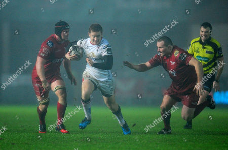 Photographer Kevin Barnes/CameraSport. Guinness PRO12 Round 13 - Scarlets v Ulster Rugby - Friday 6th January 2016 - Parc y Scarlets - Llanelli