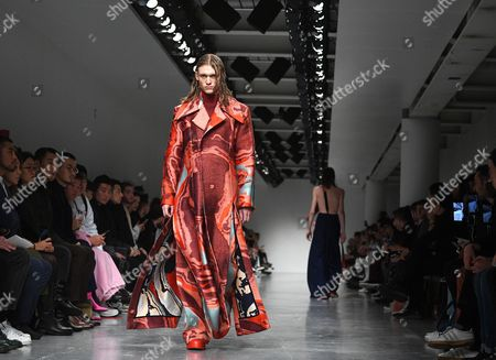 A model presents a creation by Ximon Lee during the London Men's Fashion Week, in London, Britain 08 January 2017. The Mens collections are presented until 09 January.