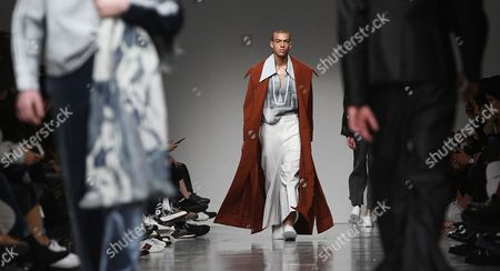 Models present creations by Ximon Lee during the London Men's Fashion Week, in London, Britain 08 January 2017. The Mens collections are presented until 09 January.