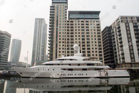 Super yacht Ilona, belonging to billionaire businessman Frank Lowy Chairman of Westfield Corporation is moored beside Canary Wharf. Ilona is a 73.69m motor yacht, custom built in 2004 by Amels in Makkum (Netherlands).