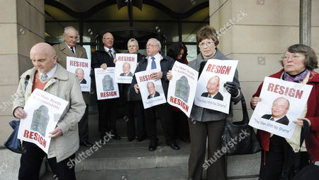 Protesters Hold Placards Asking For the Resignation of Nhs Chief Executive Sir David Nicholson Outside Portcullis House After the Mid Staffordshire Nhs Inquiry at the Select Committee Session London Britain 05 March 2013 United Kingdom London
