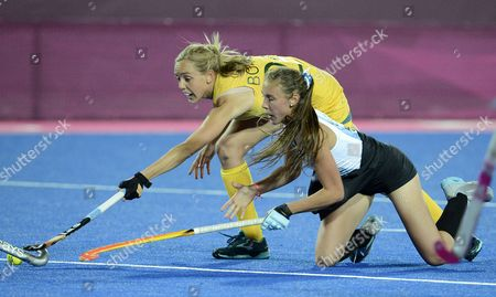 Argentina's Florencia Habif (r) Vies For the Ball with Australia's Fiona Boyce (l) During a Women's Field Hockey Preliminary Round Match at the Riverbank Arena in London During the London 2012 Olympic Games London Britain 06 August 2012 United Kingdom London