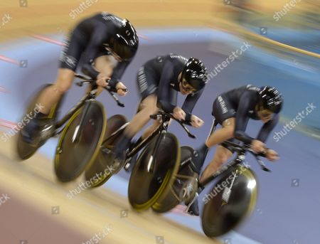 Lauren Ellis Jaime Nielsen and Alison Shanks of New Zealand Compete During the Women's Team Pursuit First Round at the London 2012 Olympic Games Track Cycling Competition London Britain 04 August 2012 United Kingdom London