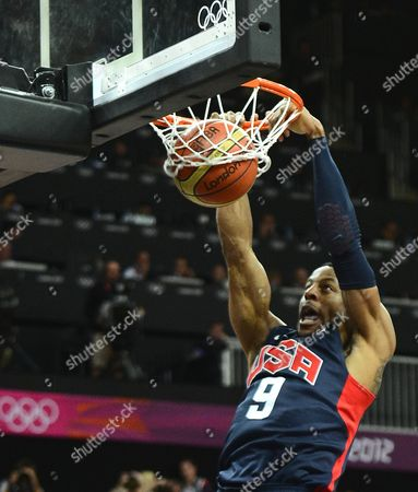 Usa's Andre Iguodala Dunks the Ball Against Argentina in the First Half of Their Game at the London 2012 Olympic Games in London Great Britain 06 August 2012 United Kingdom London