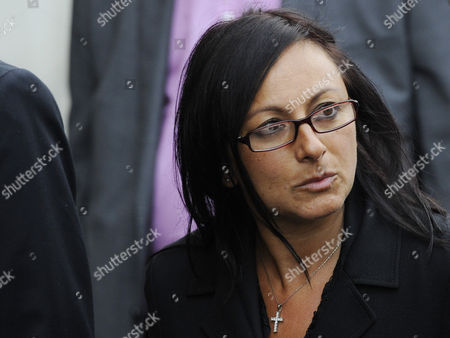 Cheryl Carter Former Pa to Rebekah Brooks Arrives to a Preliminary Hearing at the Central Criminal Court the Old Bailey in London Britain 26 September 2012 Eight People Appear Charged with Conspiring to Intercept Communications Without Lawful Authority From October 3 2000 to August 9 2006 in Relation to Alleged Illegal Voicemail Access at the Now-defunct Newspaper the Defendants Are: Rebekah Brooks Former News International Chief Executive; Andrew Coulson Former Editor News of the World; Stuart Kuttner Former Managing Editor; Greg Miskiw Former News Editor; Ian Edmondson Former News Editor; Neville Thurlbeck Former Chief Reporter; James Weatherup Former Assistant News Editor All Seven Journalists Were Charged in July with Conspiring to Intercept the Voicemail Messages of Well-known People and Their Associates Between 2000 and 2006 Private Investigator Glenn Mulcaire Also Faces Four Charges Concerning Milly Dowler Andrew Gilchrist Delia Smith and Charles Clarke United Kingdom London