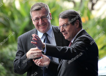 Cypriot President of the Democratic Rally of Cyprus Nicos Anastasiades (r) Greets Belgium Deputy Premier and Finance Minister Steven Vanackere Prior to the European People's Party (epp) Extraordinary Summit in Limassol Cyprus 11 January 2013 Cyprus Limassol