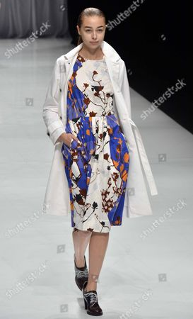 Stock Image of A Model Presents a Creation by Japanese Designer Chinami Kamishima For Her Label Kamishima Chinami During the Mercedes-benz Fashion Week in Tokyo Japan 15 October 2012 the Presentation of the Spring / Summer 2013 Collections Runs From 13 to 20 October Japan Tokyo