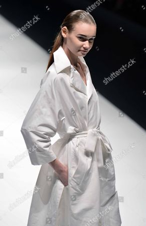 A Model Presents a Creation by Japanese Designer Chinami Kamishima For Her Label Kamishima Chinami During the Mercedes-benz Fashion Week in Tokyo Japan 15 October 2012 the Presentation of the Spring / Summer 2013 Collections Runs From 13 to 20 October Japan Tokyo