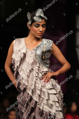 A Picture Made Available on 30 January 2013 Shows a Model Presenting a Creation by Pakistani Designer Rizwan Ahmed During the 4th Karachi Fashion Week Organized by Excellent Event Entertainment (eee) in Karachi Pakistan 29 January 2013 the Karachi Fashion Week Runs Through 29 January 2013 Pakistan Karachi