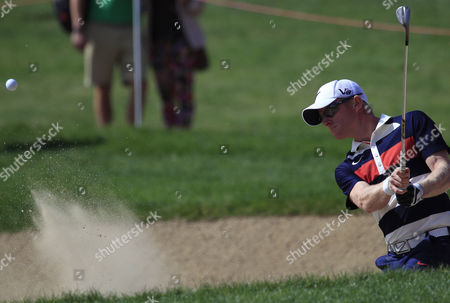 Simon Dyson of England Hits out of a Bunker During the First Round of the Abu Dhabi Hsbc Golf Championship 2013 at Abu Dhabi Golf Club United Arab Emirates 17 January 2013 United Arab Emirates Abu Dhabi