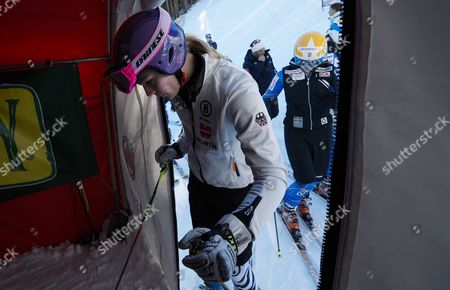 Stock Image of German Skier Maria Hofl-riesch Skis to the Starting Gate During a Practice Session of the Alpine Skiing World Cup in Aspen Colorado Usa 23 November 2012 the Women's Giant Slalom and Slalom Races Are Being Held in Aspen Over the Weekend United States Aspen