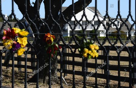 Flowers Hang on the Gate Outside at Southfork Ranch where the Tv Series Dallas was Based Off of and Partly Filmed in the 1970's in Parker Texas Usa 24 November 2012 Us Actor Larry Hagman Died at the Age of 81 at Medical City Hospital in Dallas Texas Larry Hagman was Known Best For His Role As J R Ewing on the Television Series Dallas United States Parker
