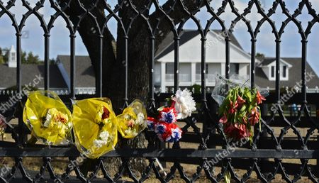 Flowers Hang on the Gate Outside Southfork Ranch During a Public Memorial For Larry Hagman in Parker Texas Usa 02 December 2012 Us Actor Larry Hagman Died at the Age of 81 at Medical City Hospital in Dallas Texas Larry Hagman was Known Best For His Role As J R Ewing on the Television Series Dallas United States Parker
