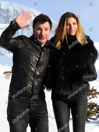 French Actors Michael Youn (l) and Isabelle Funaro (r) Pose During a Photocall For the Movie 'Vive La France' at the 16th Annual International Comedy Film Festival in L'alpe D'huez France 17 January 2013 the Movie is Presented out of Competition at the Festival That Runs From 16 to 20 January France Alpe D'huez