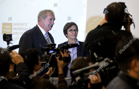President of the World Anti-doping Agency (wada) Australian John Fahey (l) and French Sports and Youth Minister Valerie Fourneyron (r) Attend the Pharmaceutical Industry and the Fight Against Doping Presser in Paris France 12 November 2012 France Paris