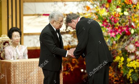 Japanese Prince Hitachi (l) Presents a Gold Medal to Us Music Composer Philip Glass During the Praemium Imperiale Awards Ceremony in Tokyo Japan 23 October 2012 the Award is Presented Annually by the Japan Art Association For Painting Architecture Sculpture Music and Theater/film Japan Tokyo