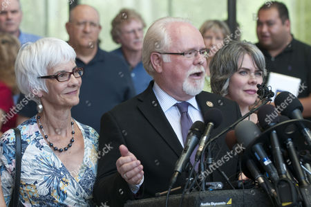 Us Rep Ron Barber with His Wife Nancy (left) and Daughter Jenny Talk to the Media Outside the Us Federal Court in Tucson Arizona 07 August 2012 After Jared Lee Loughner Pleaded Guilty in the Tucson Shooting Attack Last Year That Killed Six People and Wounded 13 Including Then-rep Gabrielle Giffords Loughner Pleaded Guilty to 19 of the 49 Charges Against Him in the Jan 8 2011 Shooting Spree at a Grocery Store Just Outside of Tucson Arizona United States Tucson