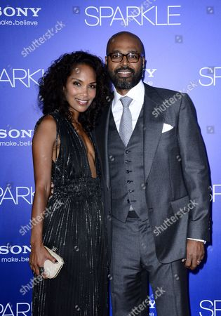Us Writer Producer Mara Brock Akil (l) and Husband Us Director Producer Salim Akil (r) Arrive For the World Premiere of 'Sparkle' at Grauman's Chinese Theatre in Hollywood California Usa 16 August 2012 United States Hollywood