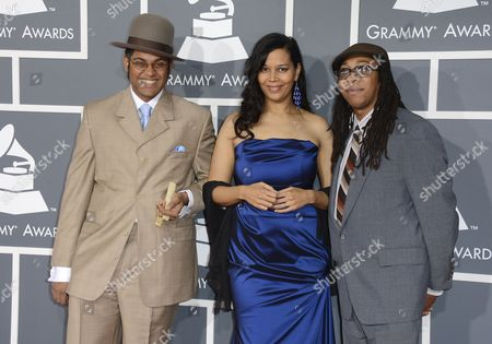 Us Musicians (l-r) Dom Flemons Rhiannon Giddens and Hubby Jenkins of Carolina Chocolate Drops Arrive For the 55th Annual Grammy Awards in Los Angeles California Usa 10 February 2013 United States Los Angeles