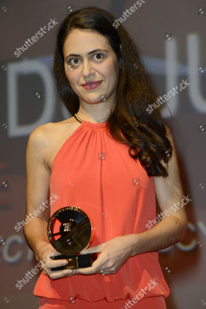 Us Director Lucy Mulloy Poses with Her 'Jury Prize' Award During the Closing Ceremony of the 38th Deauville American Film Festival in Deauville France 08 September 2012 France Deauville