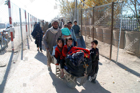 Afghan Family Cross Into Pakistan at the Chaman Border Pakistan 11 December 2012 Pakistani Foreign Minister Hina Rabbani Khar on 03 December Urged Nato and Its Allies not to Leave Behind a 'Security Vacuum' in Neighboring Afghanistan As They Prepare to Withdraw Their Combat Troops From the Country in 2014 Pakistan Chaman