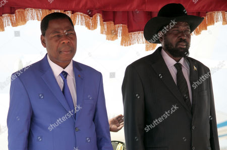 South Sudan President Salva Kiir (r) and Benin President Thomas Yayi Boni Lisen to the National Anthem at Juba Airport South Sudan 17 January 2013 Boni is in South Sudan to Hold Talk with His South Sudanese Counterpart Ahead a Next African Union Summit Media Reports State on 17 January South Sudan Started to Withdraw Troops From His Disputed Border with Sudan South Sudan Juba