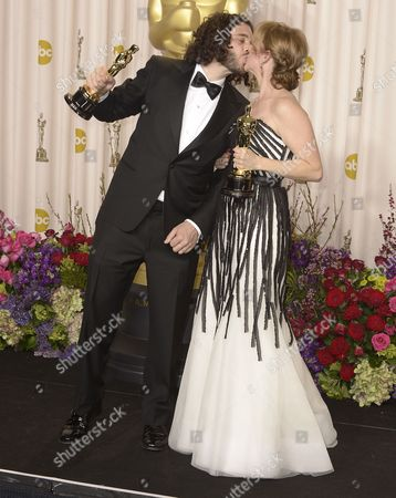 Us Directors Shawn Fine and Andrea Nix Fine (r) Kiss While Holding Their Oscars For Best Documentary Short Subject For 'Inocente' at the 85th Academy Awards at the Dolby Theatre in Hollywood California Usa 24 February 2013 the Oscars Are Presented For Outstanding Individual Or Collective Efforts in Up to 24 Categories in Filmmaking United States Hollywood