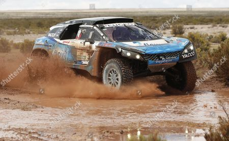 French Romain Dumas and copilot Alain Guehennec of Peugeot in action during the seventh stage of the Rally Dakar 2017, between La Paz and Uyuni, Bolivia, 09 January 2017.